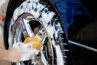 Nettoyant concentré pour pneus et jantes